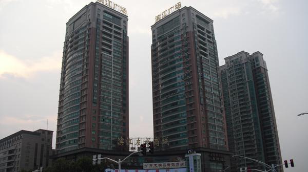 南京滨江广场电梯广告价格